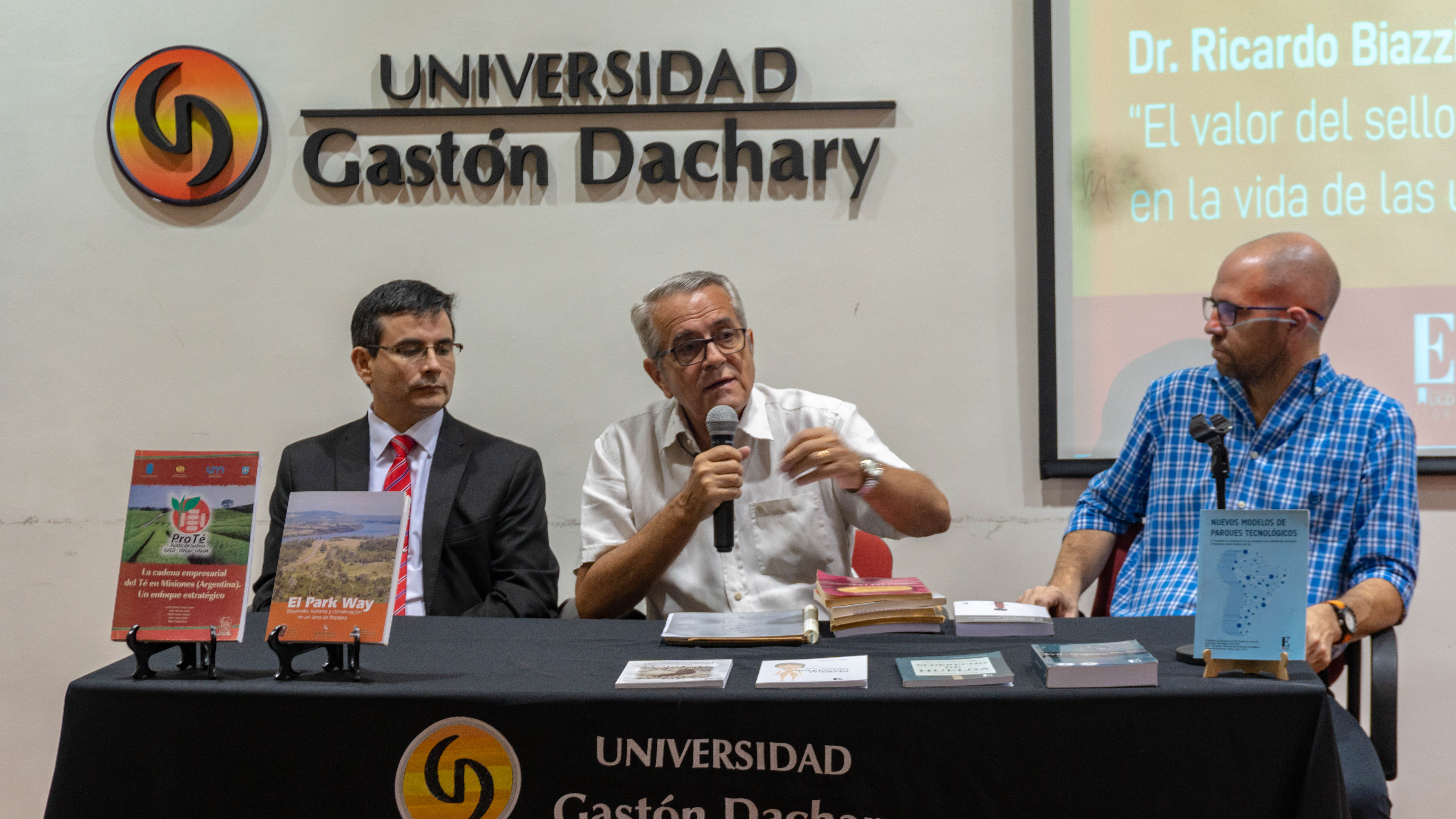 "Jornada ""Conocer la Editorial UGD"""
